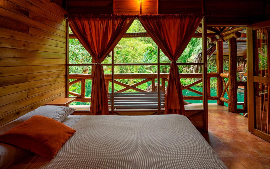 triple-cabanas-hospedaje-hoteles-mindo-travel-prices