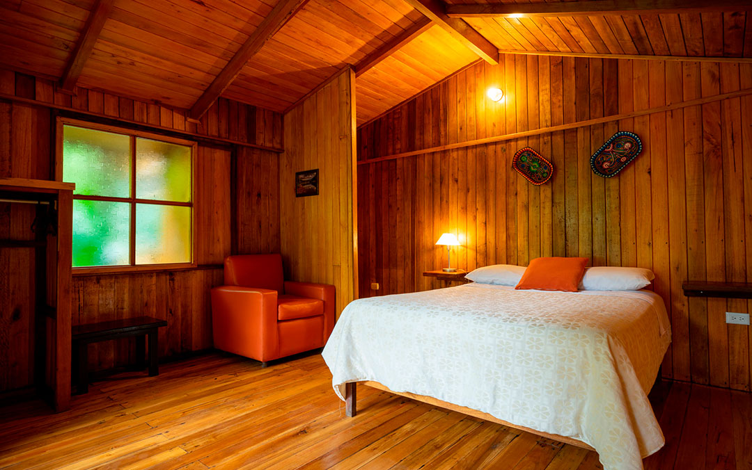 cabanas-hospedaje-hoteles-mindo-matrimonial-travel-prices