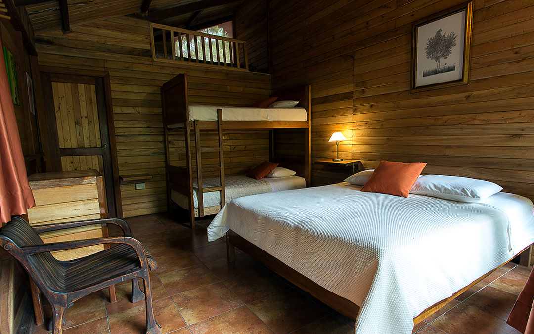 cabana-familiar-hoteles-hospedaje-hosterias-mindo-turismo-sostenible